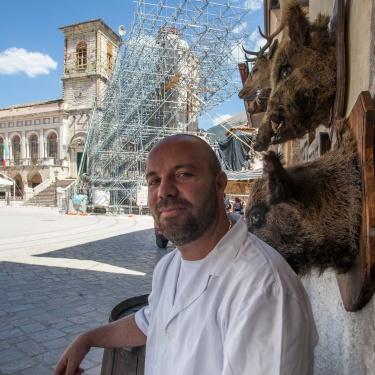Norcia, il commercio che rinasce: la norcineria di Emanuele